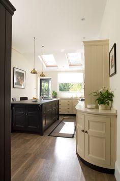 The Longford Kitchen | Contemporary Victorian Kitchen, Kent | Humphrey Munson Kitchens #humphreymunson #victorian #bespoke #island #kitchen #white #offblack #ideas #inspiration