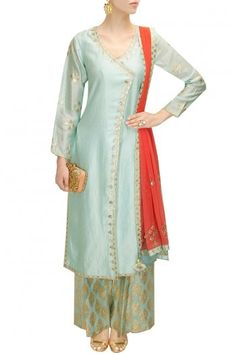 Pale blue and pale pink gota patti work kurta set - Amrita Thakur Bollywood Dress, Pakistani Dresses, Bollywood Fashion, Indian Dresses, Indian Outfits, Saree Dress, Indian Clothes, Salwar Kameez, Sharara