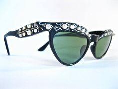 f4e0d4e6e3ce 1950 s Vintage Pearl Cat Eye Sunglasses