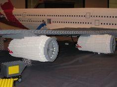 http://obviousmag.org/archives/2010/05/airbus_a380_feito_de_lego.html