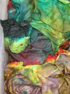 How I hand dye fabric: a dye tutorial