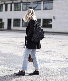 Outfit: blue jeans and stripes Bag: Adax Valentina Ragusa Shopper.
