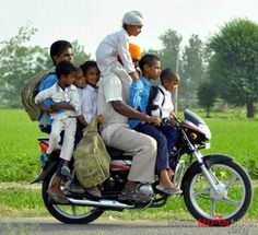 As we can see from these photos motorcycles can carry almost anything, especially in Asia. Kids Around The World, Cute Beauty, Stupid People, Pose Reference, Travel Quotes, Make You Smile, Transportation, Cool Photos, Funny Pictures
