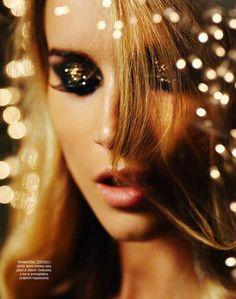 New Year makeup idea - black and gold glitter eye makeup