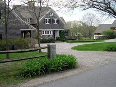 Awesome Charming Country Home Driveways Natural Driveway Landscaping Ideas Regar. - Awesome Charming Country Home Driveways Natural Driveway Landscaping Ideas Regar…, Craftsman Exterior, Modern Farmhouse Exterior, Craftsman Style, Farmhouse Style, Gravel Landscaping, Gravel Driveway, Landscaping Ideas, Farmhouse Landscaping, Backyard Ideas