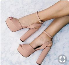 Trendy High Heels For Ladies : Tacones nude que toda mujer debe tener comoorganizarlaca… Nude heels that ever… Pretty Shoes, Beautiful Shoes, Crazy Shoes, Me Too Shoes, Stilettos, Pumps, Heeled Boots, Shoe Boots, Heeled Sandals