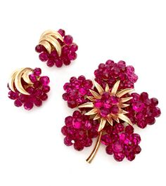 ON Hold Florence Trifari Briolette Demi, Brooch & Earrings, Hard to Find 1966 Vintage Collection, Raspberry Fuchsia Briolette Rhinestones,