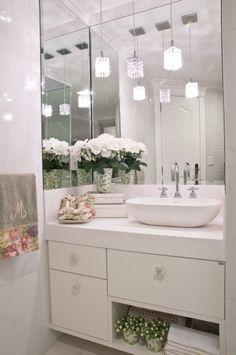 Construindo Minha Casa Clean: Banheiros/Lavabos Modernos com Pendentes de Cristais!