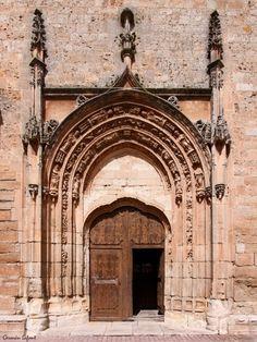 Portada de la iglesia de Pampliega. Rodrigo Gil de Hontañón.