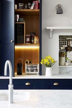 New apartment kitchen storage ideas stove Ideas Home Interior, Kitchen Interior, Kitchen Decor, Kitchen Design, Kitchen Ideas, Kitchen Mantle, Interior Paint, Interior Design, Apartment Kitchen Storage Ideas