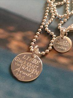 Liebe Glück Kraft Vertrauen Freude Mut... Was wünschst Du Deiner liebsten Freundin? #anhaengermitgravur# liebe# www.glanzreich.de