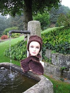 this set I created for a friend, again my own design Crochet Hats, Knitting, Create, Design, Fashion, Knitting Hats, Moda, Tricot, Fashion Styles
