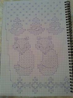 Sockor med rävar Knitting Stitches, Knit Patterns, Mittens, Cross Stitch, Bullet Journal, Crochet, Inspiration, Dots, Handarbeit