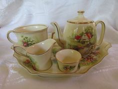 Vintage Royal Winton Red Roof Breakfast Set 1942 - 1951 in production Breakfast Set, Red Roof, Fine China, Pottery Art, To My Daughter, Tea Time, Tea Pots, Kettles, Teacups