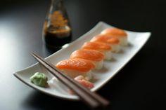 Google Image Result for http://3.bp.blogspot.com/-JhwpoJYi55Q/T5aYvYaLr5I/AAAAAAAABV4/fjLOZhOMcg8/s1600/sushi%2Bsalmon.jpg