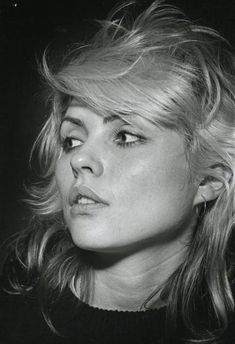 Debbie Harry http://24.media.tumblr.com/014fb718129bb99481cce28566917e85/tumblr_mesc19Isy01qz9qooo1_500.jpg