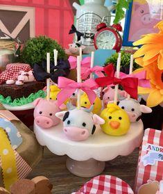 Animal Cake Pops, Farm Animal Cakes, Farm Animal Party, Farm Animal Birthday, Barnyard Party, Farmer Birthday Party, Baby Boy Birthday, 2nd Birthday Parties, Farm Cake