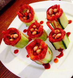 Pepinos Locos rellenos de cacahuates y rielitos!!!