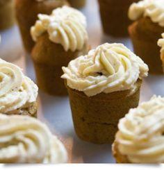 Cupcakes με κόκκινη κολοκύθα Cupcakes, Desserts, Recipes, Food, Gourmet, Tailgate Desserts, Cupcake Cakes, Deserts, Recipies