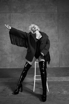 Giuseppe Zanotti Boots, Beautiful Voice, Christina Aguilera, Celebs, Celebrities, Strike A Pose, My Princess, Music Artists, Celebrity Style