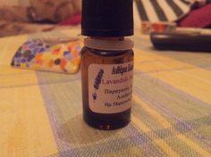 Αιθέριο έλαιο λεβάντας, αντιμυκητιακές ιδιότητες, απολύμανση χώρου Lavender, Essential Oils, Perfume Bottles, Perfume Bottle, Lavandula Angustifolia, Essential Oil Blends