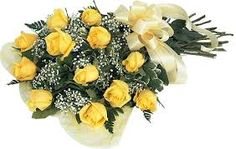cute and lovely yellow roses for special friends.