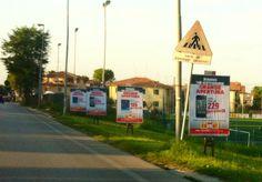 Stampa ed affissione poster manifesti stradali. Pubblicità temporanea. Committente COMET Fano  #poster #sequenziali #affissioni