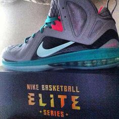 Nike Lebron 9 PS Elite – Wolf Grey – Mint Candy – New Green – Pink Flash. Not bad but that $250 price tag though. ARGHHH