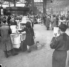 Train stations and the people in them. The beautiful and dearly missed Penn Station, NYC, Source At a Dutch trai. Vintage London, Old London, East London, London History, British History, London Overground, Waterloo Station, London Places, London Photos