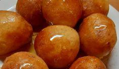 Η καλύτερη συνταγή για λουκουμάδες από την Γκόλφω Νικολού Greek Sweets, Beignets, Pretzel Bites, Plum, Biscuits, Peach, Cooking Recipes, Potatoes, Cookies