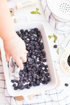 Easy Blackberry Cobbler Recipe - Spaceships and Laser Beams Blueberry Recipes, Fruit Recipes, Sweet Recipes, Dessert Recipes, Desserts, Yummy Recipes, Yummy Treats, Sweet Treats, Postres