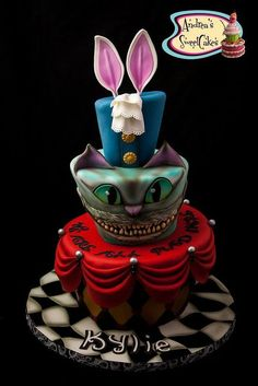 Alice in Wonderland inspired cake, Rabbit, hatter, cheshire and the red queen! Crazy Cakes, Fancy Cakes, Cute Cakes, Sweet Cakes, Alice In Wonderland Birthday, Alice In Wonderland Tea Party, Mad Hatter Party, Mad Hatter Tea, Beautiful Cakes