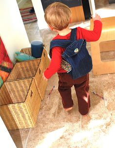 Free backpack pattern made from old jeans. Use basic principles with another fabric.  Another great gift for a kid.