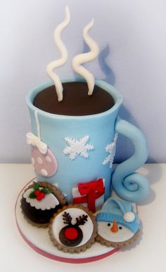 The Christmas cakes of the most famous cake designers in Italy - Cakemania, sweets and cake design - - Christmas Cup, Christmas Sweets, Christmas Goodies, Christmas Baking, Christmas Cakes, Christmas Cake Decorations, Holiday Cakes, Beautiful Cakes, Amazing Cakes