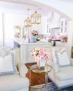 Spring Kitchen Decor, Spring Home Decor, Dream Home Design, House Design, Apartment Decoration, Decoration Inspiration, Decor Ideas, Living Room Inspiration, Home Fashion