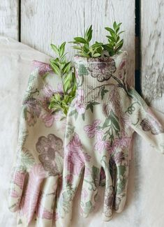 Farm Stand, Pink Garden, Flower Farm, Be Kind To Yourself, Blanket, Flowers, Bench, Cottage, Lady