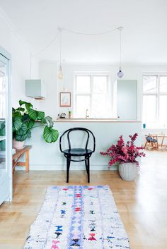 A fresh Danish kitchen make-over by Reform.