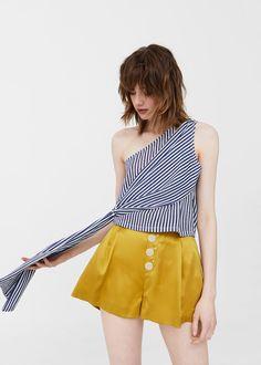 Top asimétrico estampado - Camisetas y tops de Mujer | MANGO España
