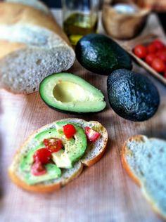 Avocado Breakfast Toast   #breakfast #avocados #vegetarian http://www.bellalimento.com/2012/04/21/avocado-breakfast-toast/