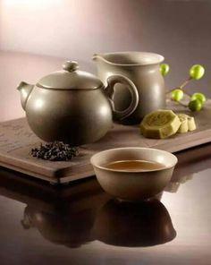 Tea service. Stunning simplicity.