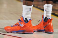 quality design 4d9da 13cc1 Nike LeBron 14 Hardwood Classics PE was worn by LeBron James. This Nike  LeBron 14 comes dressed in the Hardwood Classics Orange and Blue color  scheme.