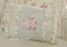~Sweet Melanie~: More Sewing Lace Bedroom, Shabby Chic Accessories, Cute Cushions, Shabby Chic Pillows, Shabby Home, Sewing Pillows, Cozy Cottage, Perfect Pillow, Textiles