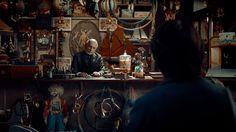 "The Cinematography of ""Hugo"" Cinematographer: Robert Richardson Won the 2012 Academy Award for Best Cinematography Hugo Movie, Books Turned Into Movies, Hugo Cabret, Best Cinematography, Movie Shots, Composition Design, Martin Scorsese, Art Director, Musical"