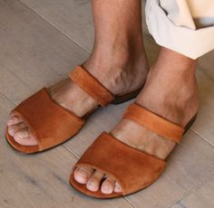 I  usually like sandals on men. and these are pretty damn wonderful.