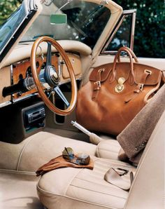 Wood inside the car. also leather. Ralph Lauren looks like to me. How To Have Style, My Style, Classic Style, Real Style, Style Men, Classic Beauty, Country Style, Ralph Lauren Taschen, Old School Style