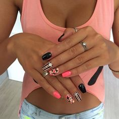 Beautiful nail colors Manicure by summer dress Nail art stripes Original nails Striped nails Summer colorful nails Summer gel polish 2017 Summer nails 2017 Nail Art Design 2017, Nail Art Design Gallery, Best Nail Art Designs, Toe Nail Designs, Shellac Toes, Toe Nails, Nail Nail, Nail Art Stripes, Striped Nails