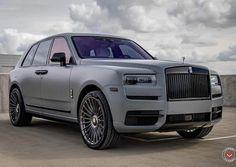 rolls royce classic cars near Auto Rolls Royce, Rolls Royce Black, Classic Cars British, Old Classic Cars, Rolls Royce Phantom, Best Luxury Cars, Luxury Suv, Cadillac, Vintage Rolls Royce