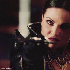 Lana Parrilla - Evil Queen Swordfighting!