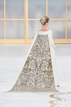 Paris Haute Couture FW 2014: Desfile de Chanel - Harper's Bazaar