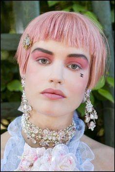 Chanel Cruise 2012-13 Backstage Beauty Such a beautiful look, I'm inspired to go Louis XVI in my make up, hairstyle and dress